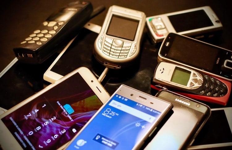 Phone 1b 1